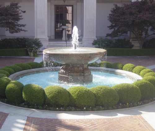classic-water-fountain-entrace